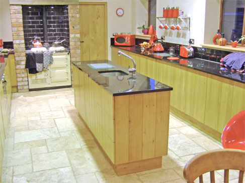 Kitchen - Oakham :: This is a fairly modern style kitchen mixed with traditional elements. Old and new appliances fit right in.